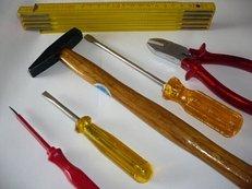 Werkzeugverleih im gelbe seiten branchenbuch unternehmen for Hammer tapeten katalog