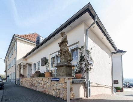 sch ne aussicht in frankfurt bergen enkheim mit adresse und telefonnummer. Black Bedroom Furniture Sets. Home Design Ideas