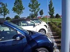 Autohaus, Autos, Wagen, Beetle, VW, Neuwagen