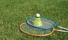 Federball, Rasen, Badmintonschläger