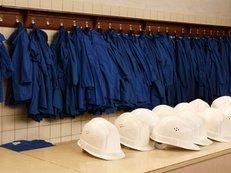Schutzhelm, Blaumann, Arbeitskleidung