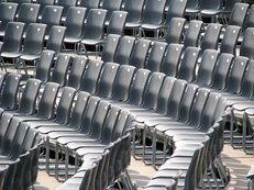 Stuhlreihen, Theater, leere Stühle