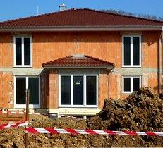 Fenster, moderner Hausbau, Rohbau