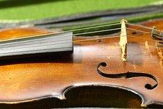 Geige reparieren, antike Geige, Instrumente reparieren