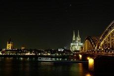 Köln, Hohenzollernbrücke, Kölner Dom