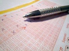 Lottoschein, ankreuzen, ausfüllen