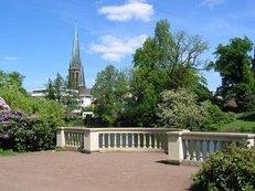 Kirche, Schlossgarten, Bäume