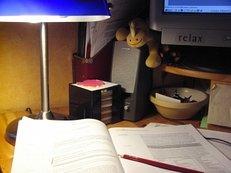 arbeitsplatz, lehrbuch, lernen, schreibtisch