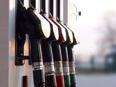 Tankstelle, Zapfsäule, Zapfhähne, Benzin