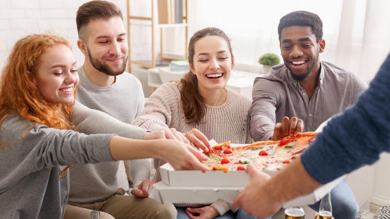 Pizzeria am Schlump: Die wohl größte Party-Pizza in Hamburg