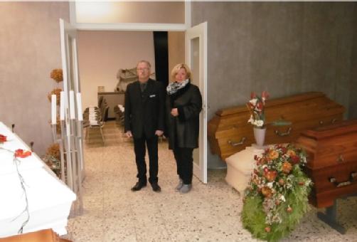 Beerdigungsinstitut Fries, Stefan